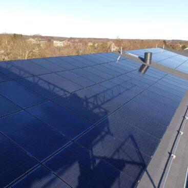 Solceller indsænket på tagpap